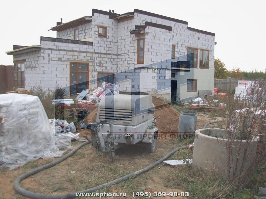 Коттедж в поселке на Новорижском ш., площадь 570 кв.м.